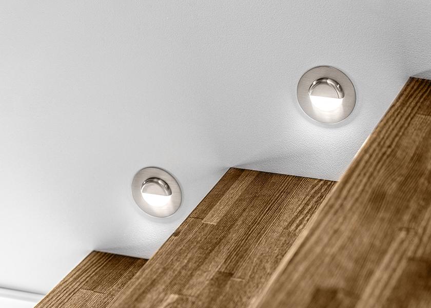 Oświetlenie korytarza i schodów