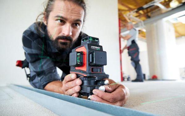 Precyzja pomiaru to podstawa. Jak ocenić, czy poziomnica, laser lub dalmierz mierzą poprawnie?