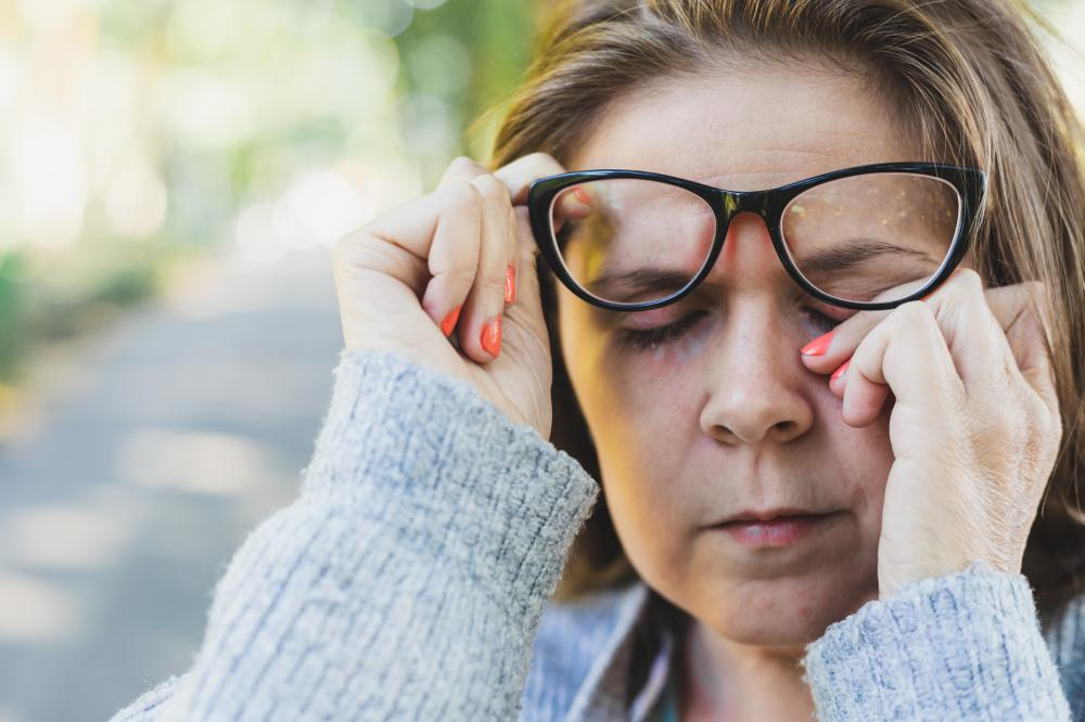O czym świadczy ból oczu? Przyczyny bólu oczu