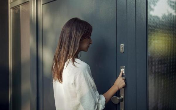 Elektroniczne otwieranie drzwi – przegląd smart technologii