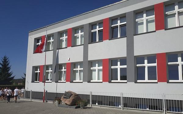 Wyremontowane szkoły w Wilkowicach, Goniembicach i Lipnie. Wszystko to dzięki funduszom UE
